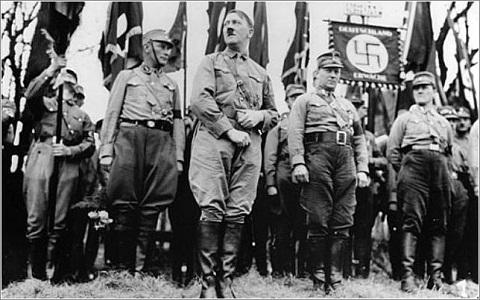 Merkel: a többség tétlenül tűrte a náci hatalomátvételt