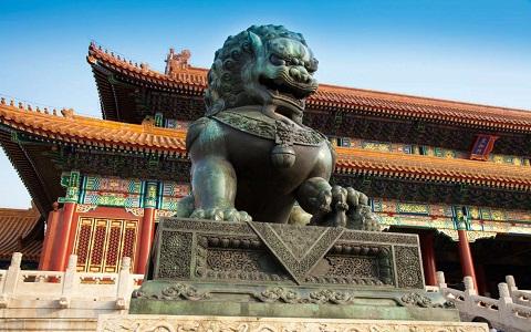 Kína felhagy a dollárvásárlással