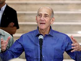 Olmert bírálja Netanjahut az esetleges iráni katonai akció költséges előkészületei miatt