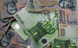 Az euró/forint kurzusa lassan továbbcsoroghat a 310-es árfolyam felé
