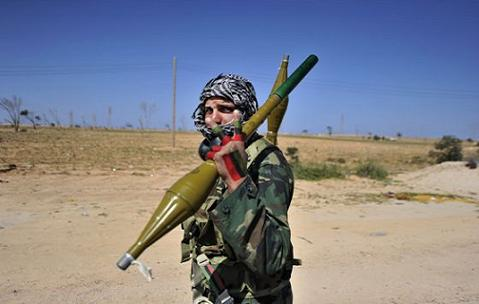 Roszoboronoexport: Oroszország Szíriának és Malinak egyaránt szállít fegyvereket