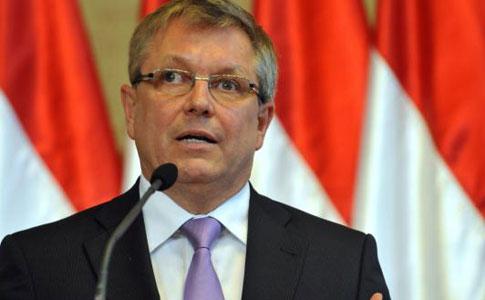 Matolcsy György a BIS rendszeres jegybankelnöki találkozóján vesz részt