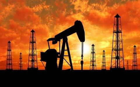 Ernst & Young: növekvő termelés, csökkenő árak az olajiparban