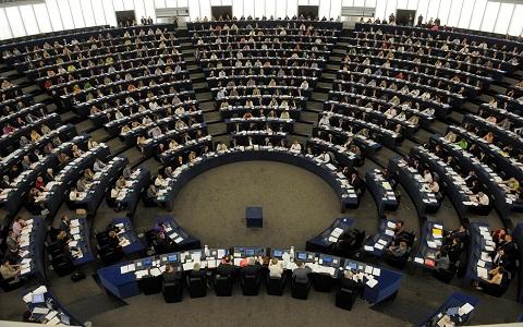 EU-csúcs – Újabb szünet, délben folytatják, az EP csalódott